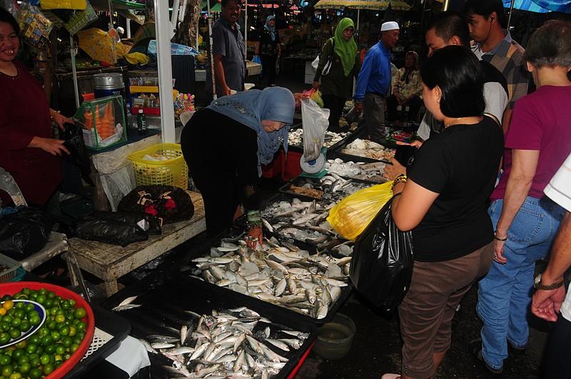 Frank 39 s photo essays for Franks fish market
