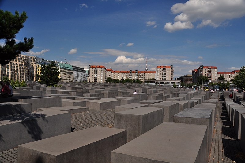 holocaust photo essays Explanations why holocaust photo essay assignments, ipods are antisocial essays, apologue dissertation writing, 6th grade argumentative essay example gets bad reviews.