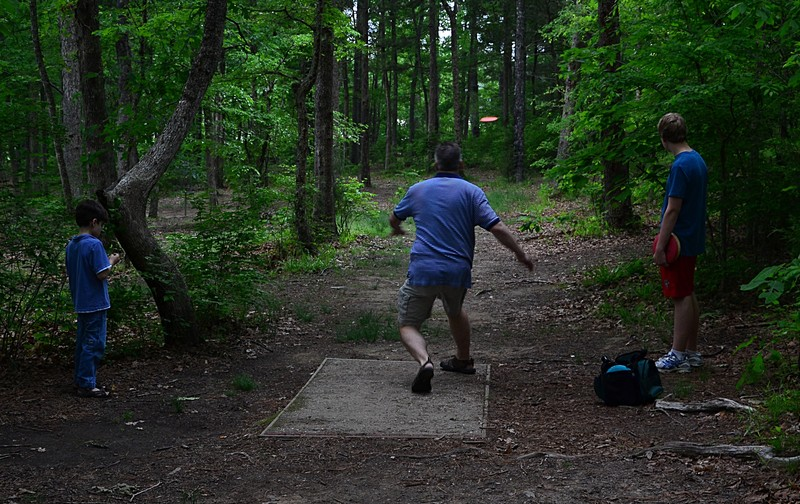 essays on disc golf Essays related to changes in golf 1 golf made easier the skill i will be teaching is how to throw a disc golf for range and for putting.